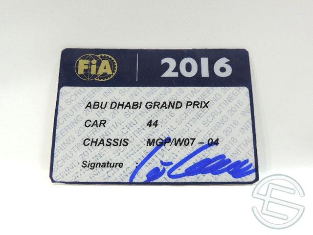 【送料無料】 メルセデス AMG 2016年 アブダビGP ハミルトン車用 実使用 車検証 (海外直輸入 F1 非売品USEDグッズ)