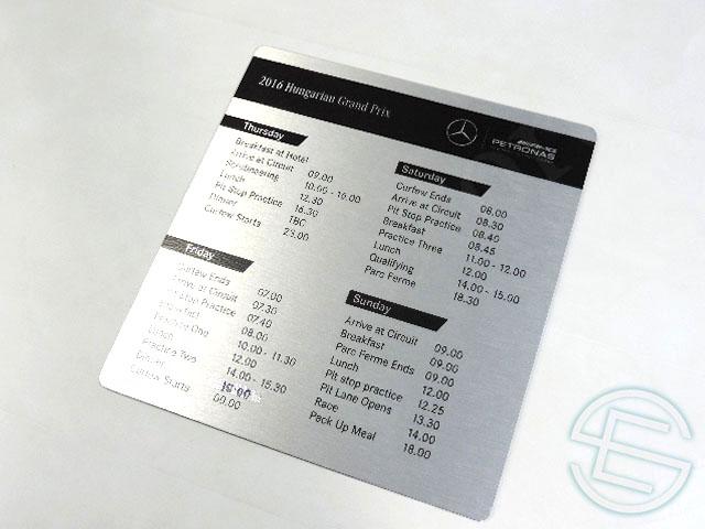 【送料無料】 メルセデス AMG 2016年 ハンガリーGP 支給品 タイミングボード (海外直輸入 F1 非売品USEDグッズ ベンツ)
