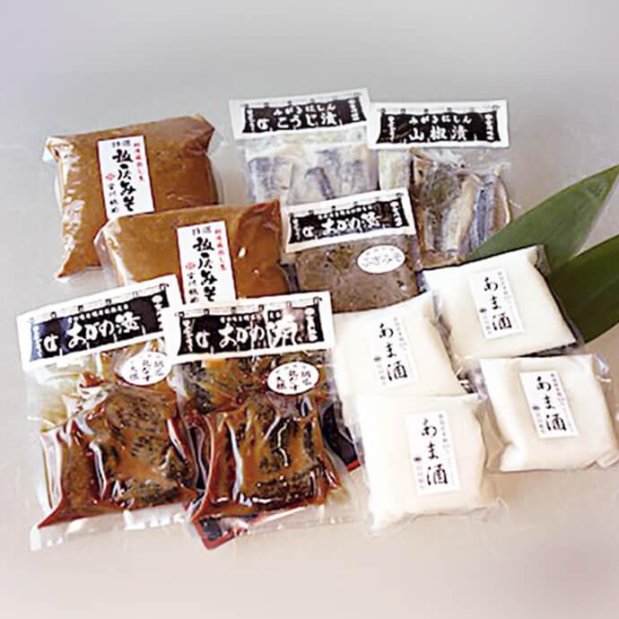 【ふるさと納税】新潟産の「コシヒカリ」と「越いぶき」だけを使用して作られた糀を使った『雪国の発酵食品セット』