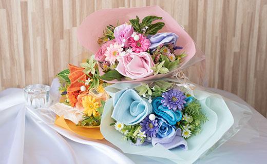 泉州タオルを花束風にアレンジしています 新品 送料無料 肌触りの良い泉州タオルを使用し 造花は ローズやガーベラなどを組み合わせ ふるさと納税 花束M 華やかな仕上がりとなっております 泉州タオルフラワー マーケット