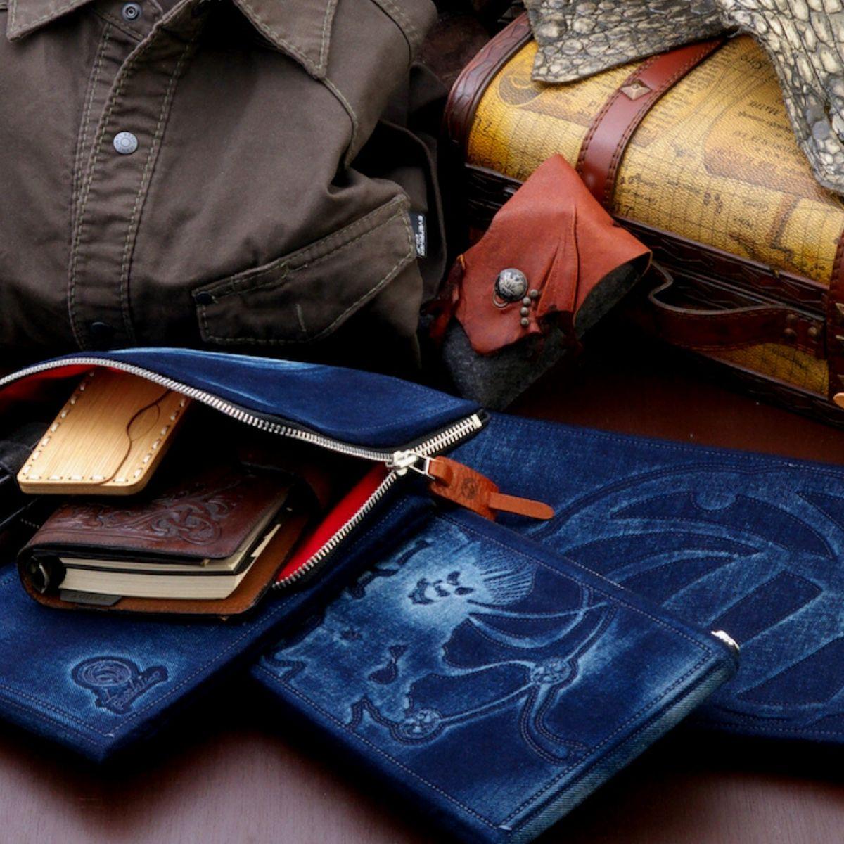 【ふるさと納税】美しい和柄刺繍と濃紺デニムが渋い『Bosshiroクラッチバッグ』〈全4柄〉