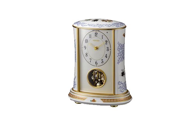 A650-2【ふるさと納税】香蘭社 染錦唐草遊犬の図・クオーツ置時計
