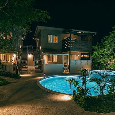 ふるさと納税 MAEDA BEACH 2泊10名様 1棟貸しVilla宿泊券 HOTEL 人気ショップが最安値挑戦 25%OFF