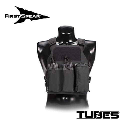 FIRST SPEAR (ファーストスピアー):First On Plate Carrier 10'X12′Plate W/Medical Pouch M/L BK実物