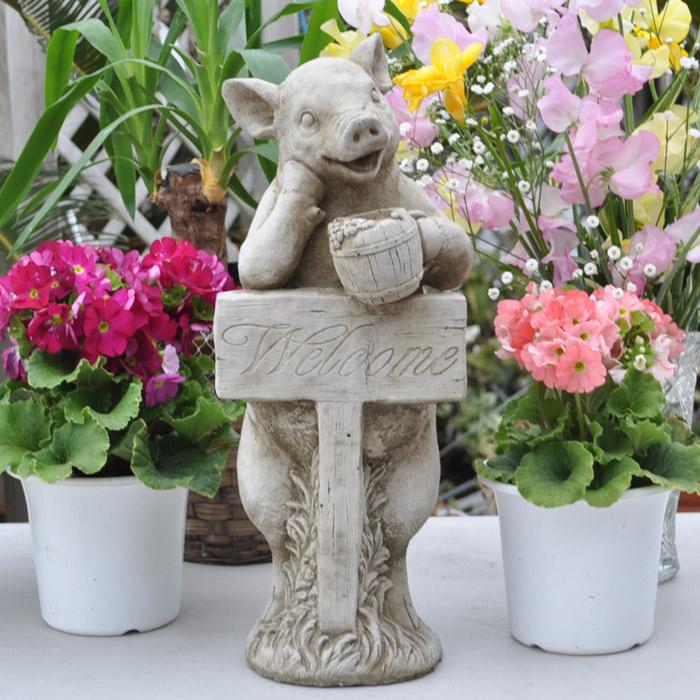ヨーロッパ/英国製/ガーデニング雑貨 ブタ豚ウエルカムインポート「スタンディングピグ」ガーデンオーナメント 置物