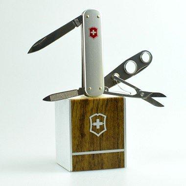 Victorinox シガーカッター ビクトリノックス キャンプ用品 BBQ 登山 万能ナイフ ナイフ つめそうじ はさみ ツールナイフ