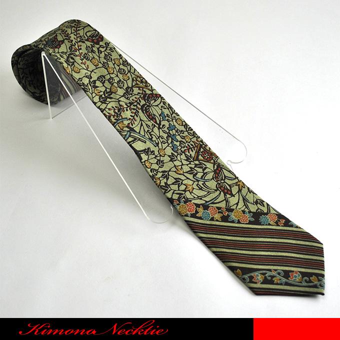レジメンタルと唐草模様を組み合わせで粋さがはえるデザインネクタイです ☆着物ネクタイ 和柄ネクタイ 日本土産 和ネクタイ 流行のアイテム メーカー公式