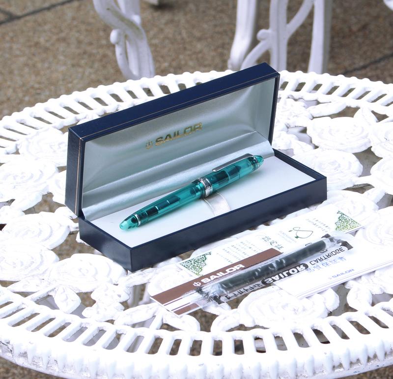 湾仔有限 14 k 钢笔透明轴系列幸运来电喷泉 Aqua 有吸引力的颜色错觉 (maicuvssi) 是 * 每人只有一个 !