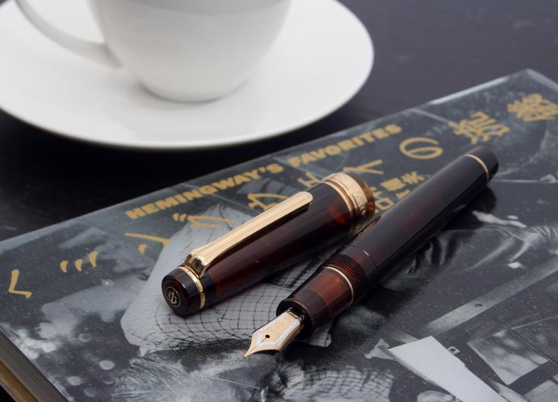 """对WANCHER wancha钢笔透明车轴系列摩卡棕色21K nibuheminguuei的想法! 丢失的世代聚集的咖啡厅""""kurozuri·德·里拉""""国内50条限定专业人员齿轮特殊的型号11-8234"""