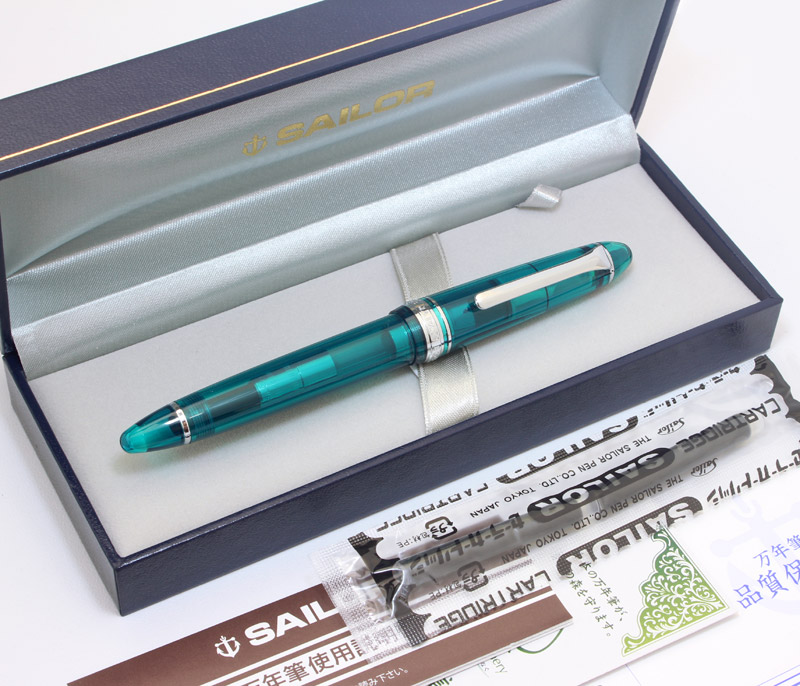 Kyushu limited! Complete original turquoise miracle mystical transparent axis fountain pen 14 k model beautiful paradise of the Maldives forever!
