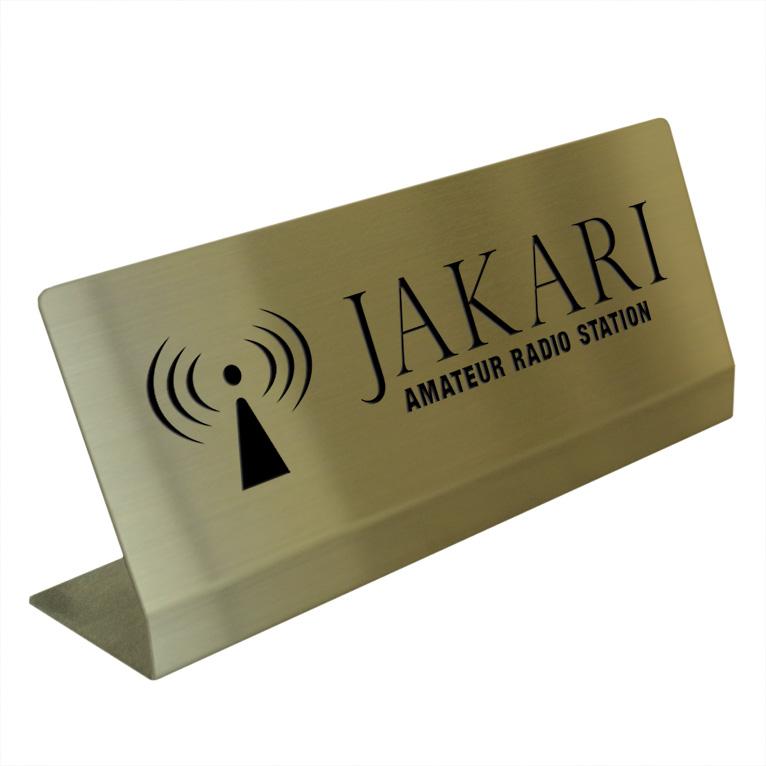 〈真鍮製〉アマチュア無線コールサインカウンタープレート。b_radio_table_004