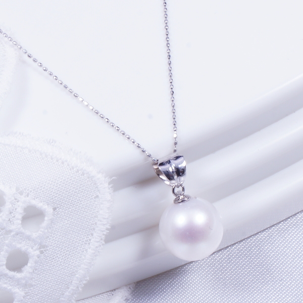 【特別奉仕品】18金ホワイトゴールド台上品質大珠8.5mm珠あこや真珠ペンダントネックレス
