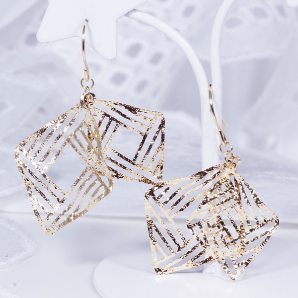 Modern Design Earrings Only Bullion Pricing Offer 18 K Gold Earring Designs Made Overseas By Pb 1013