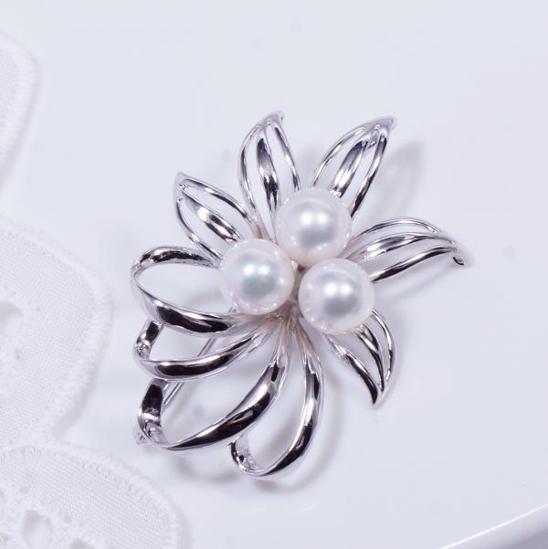 ギフト 新商品 特別奉仕品 シルバー あこや真珠ブローチ兼ペンダントトップ 6 月誕生石 SMB359