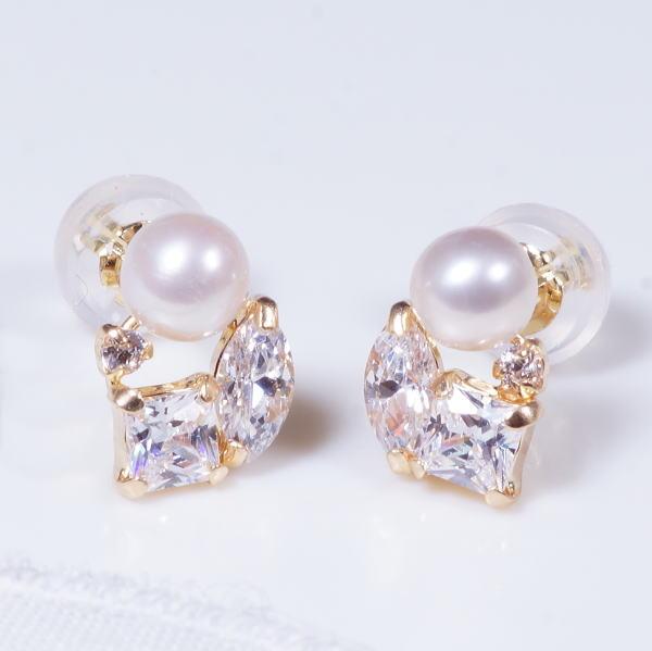 特別奉仕品 18金 淡水真珠 &キュービックジルコニアデザイン ピアス 199389