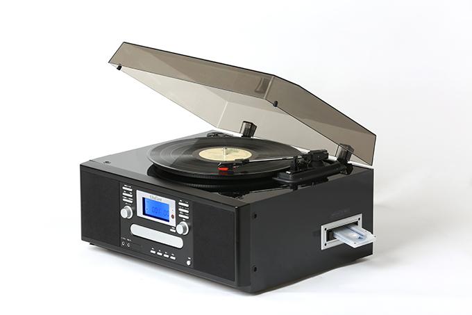 場所を選ばないコンパクトサイズ!レコード・カセット・CDを簡単にCD録音できるマルチプレーヤーです。 新・ダビングマルチプレーヤー
