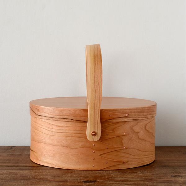 シェーカーボックス スイングハンドル (チェリー) #2 [BR003-2]【北欧 トレー トレイ 木製 無垢 桜 ふた付き スタッキング 裁縫箱 ソーイングボックス】