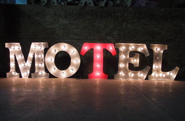 アメリカンダイナーランプ アメリカンサイン・ウィズライト(MOTEL モーテル)コーヒー バー ガレージ 映画 セット ハリウッド ラスベガス アメリカ雑貨 看板 西海岸風 インテリア アメリカン雑貨