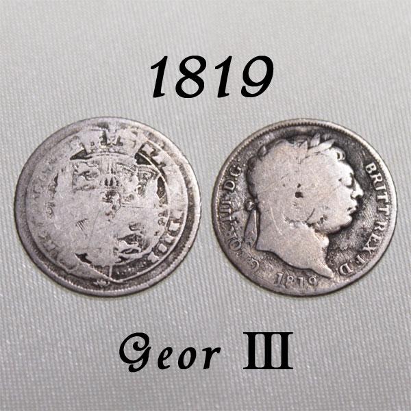 マザーグースでサムシングフォーと共に歌われた幸せのコイン 1819年 ジョージ3世 数々の困難を乗り越えた王 イギリスの古い通貨 お中元 贈り物 幸福の6ペンスコイン 銀貨 スターリング シルバー ハッピー 幸せな結婚の為に ウェディング 花嫁の左の靴に銀の6ペンス シックスペンス 幸運を運ぶアンティーク銀貨 送料無料 プレゼント ラッキー