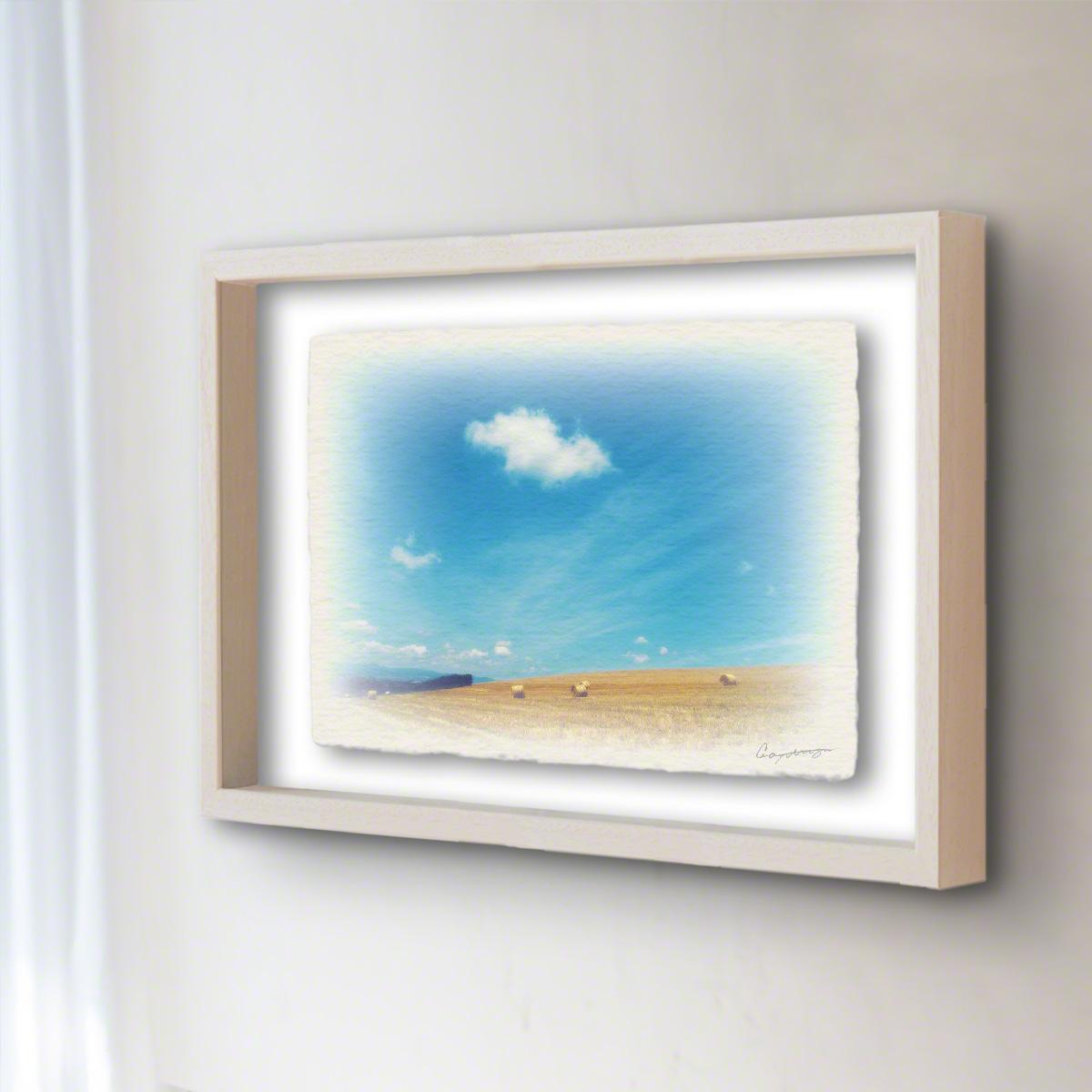 和紙 手作り アートフレーム 「牧草ロールの丘と青空に浮かぶ雲」(40x30cm) 絵画 絵 ポスター 壁掛け モダン アート 和風 オリジナル インテリア 風景画 ランキング おすすめ おしゃれ 人気 キッチン リビング ダイニング 玄関 和室