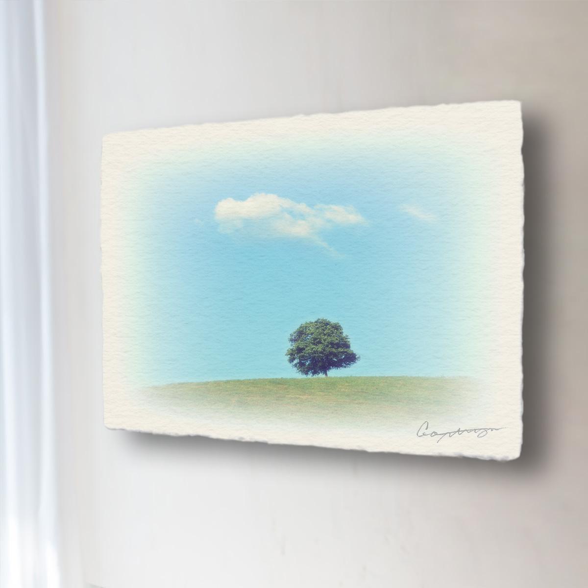 和紙 手作り アートパネル 「丘の上の木とはぐれ雲」(72x54cm) 絵画 絵 ポスター 壁掛け モダン アート 和風 オリジナル インテリア 風景画 ランキング おすすめ おしゃれ 人気 キッチン リビング ダイニング 玄関 和室