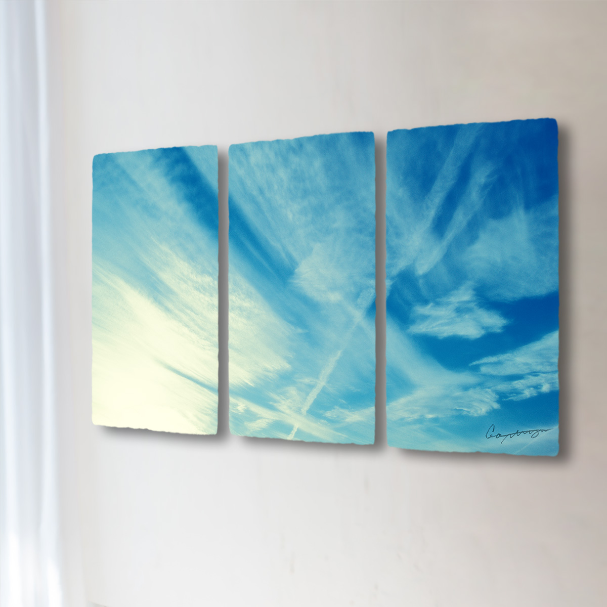 和紙 手作り アートパネル 3枚続き 「筋雲と飛行機雲」(128x72cm) 絵画 絵 ポスター 壁掛け モダン アート 和風 オリジナル インテリア 風景画 ランキング おすすめ おしゃれ 人気 キッチン リビング ダイニング 玄関 和室