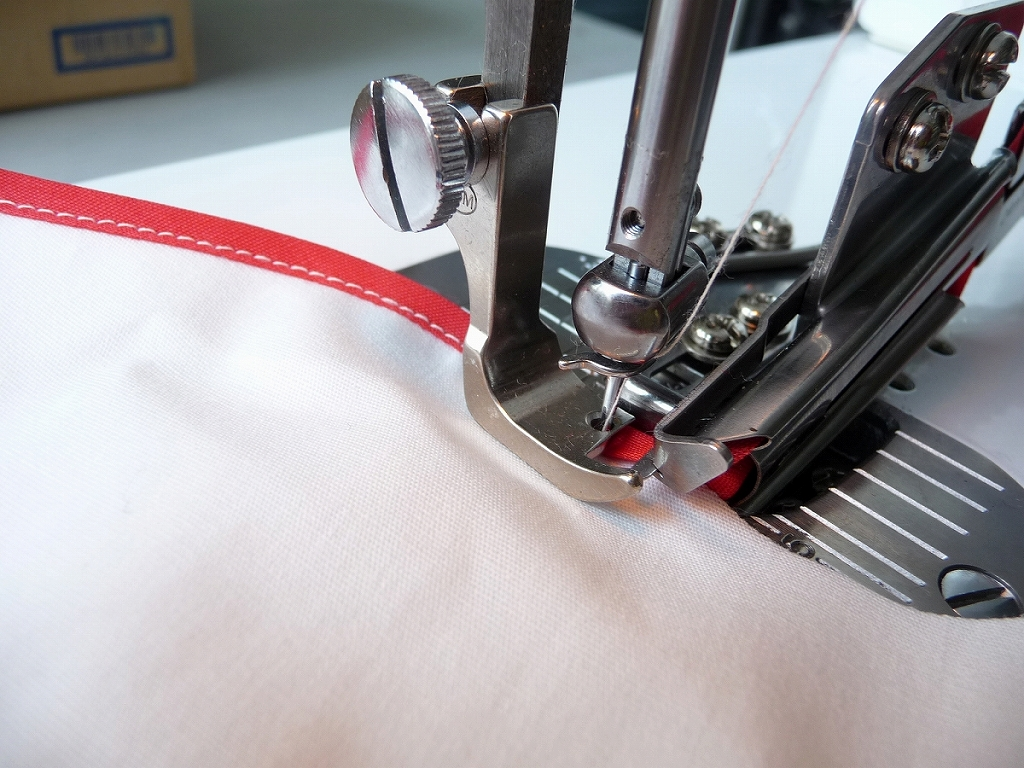 JUKIシュプール用針板付きバインダー 24×6押さえ金・送り歯・針板・ラッパ4点セット。部品の販売です。