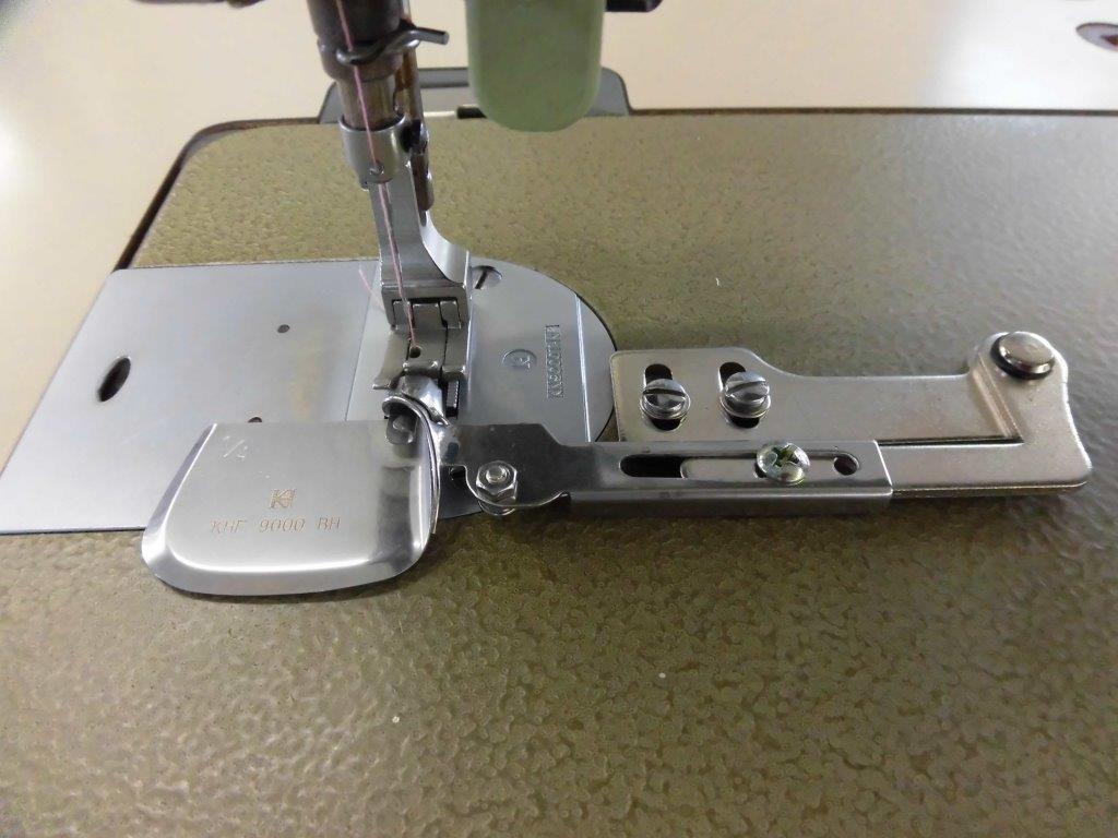1本針本縫いミシン用、シャツテール三巻ラッパ組 SSM-9000BH型 専用押さえ金・針板・送り歯・ラッパの4点セット