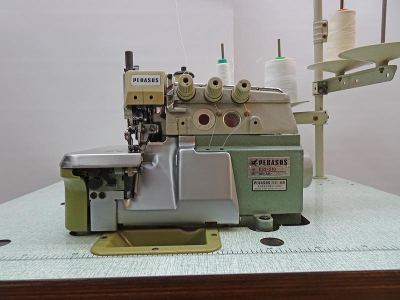 【中古】 ペガサスミシン モデルNO- ペガサス E52-210/505-223-N4 ワッペン縫い改造ミシン