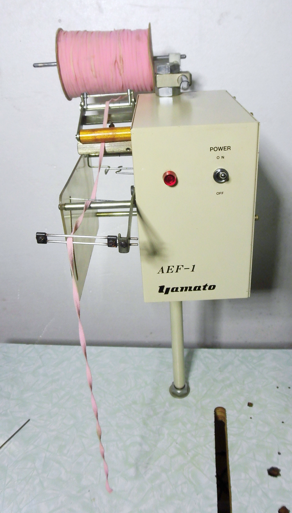 【中古】 ヤマト モデルNO-AEF-1型 テープ・ゴム送り装置