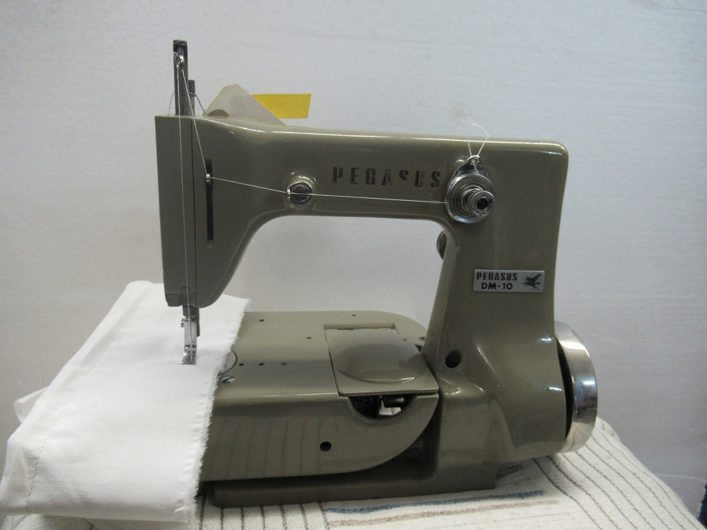 4108033 【中古】 ペガサス 日本製 モデルNO DM-10型 頭部のみ 1本針2本糸 婦人手袋縫いミシン