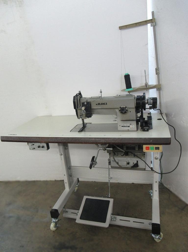 【中古】ジューキ JUKIミシンJUKI 1本針総合送り自動糸切ミシン。モデルNO-DNU-241-6型ー100V仕様 可変速モーター付き。1セット