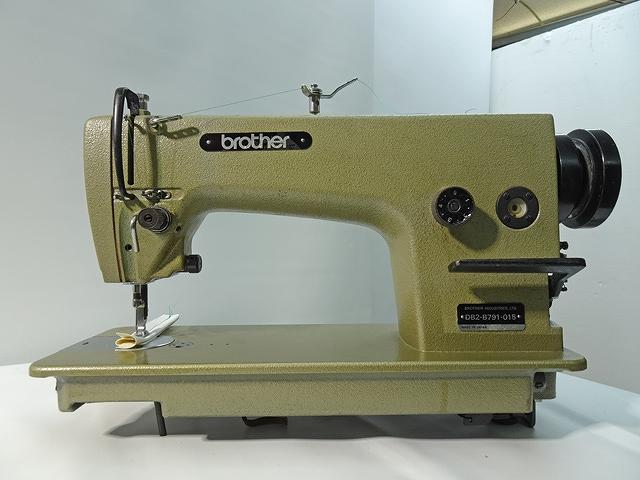 【中古】 ブラザー BROTHER 1本針本縫い針送りミシン モデルNO-DB2-B791-015型 100V仕様 ミシン頭部・テーブル・脚・クラッチモーターのセットです。