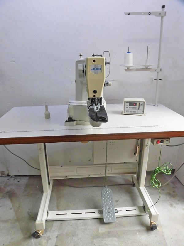 【中古】 ジューキ 日本での製造品 JUKI モデルNO-LK-1900型 電子模様縫いミシン 100V仕様 弊社にて整備済み新品と同じく、6か月の保証付。