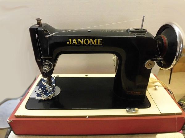 【中古】 蛇の目 ジャノメ JANOME TA-1型 職業用ポータブルに改良しています。モーター・フットペダル付き。弊社にて整備済み、新品と同じく6か月の保証付です。日本製