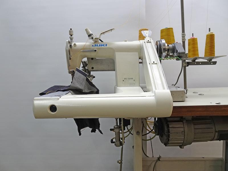 【中古】 JUKI 腕型2本針2重環縫いミシン MS-1190M 針幅:1/4 「6.4mm」 三相200V 400w2P 日本製。2本針腕型チエンステッチミシン宮本先引きプーラー付き 新品定価¥798,000
