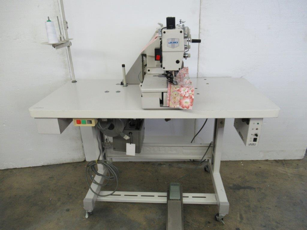 【中古】 ジューキ JUKI 眠り穴カガリミシン モデルNO LBH-793-1型 ワンペダル式 三相200V仕様