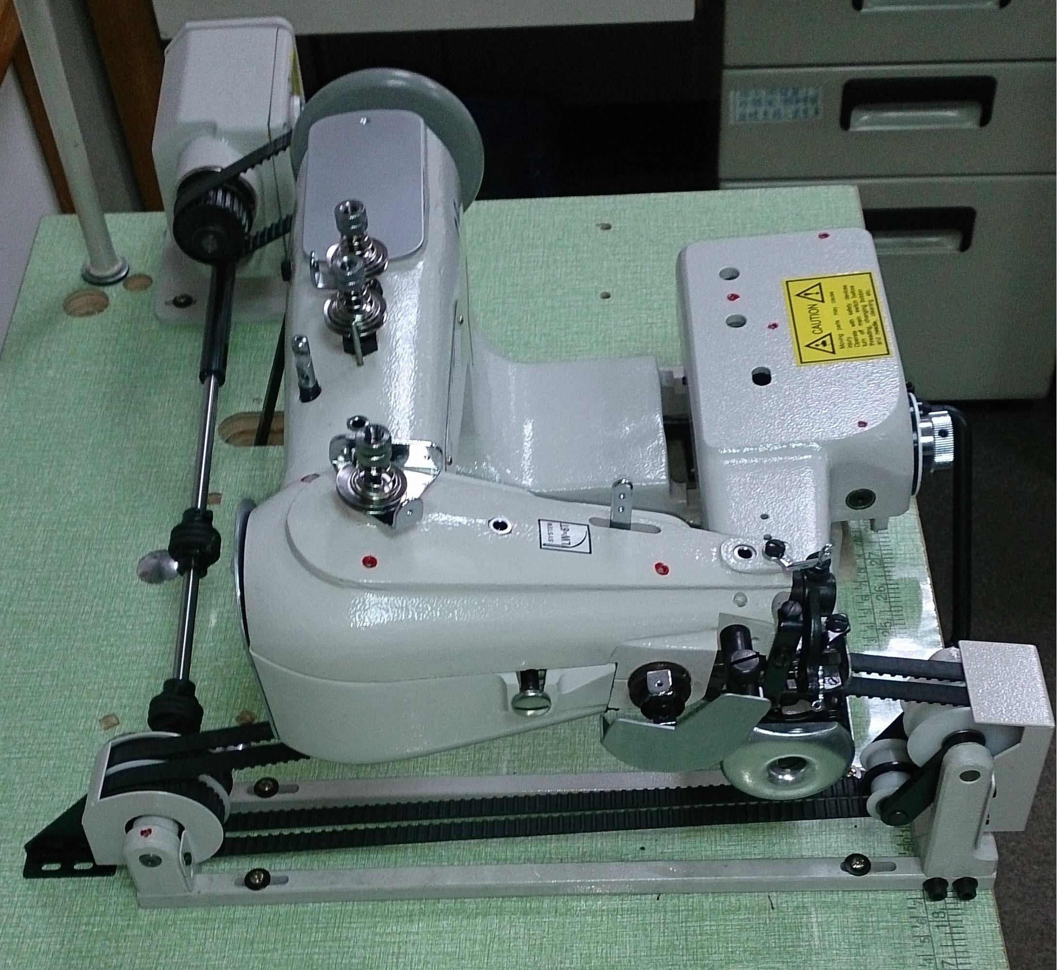 - 新品 入手困難 ウエットスーツ縫製ベルト送り装置付き スクイミシン モデルNO-SSM-H-142-PS型頭部+ベルトプーラー 1本針2本糸スクイ縫いミシン 高級