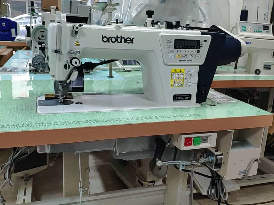 ブラザーミシン メーカー直送 モデルNO-S-7250ー403P 1本針自動糸切ミシン 200V仕様 公式ショップ 押さえ上げ装置付き 台湾レーシングプーラー付き 電気ソレノイド式