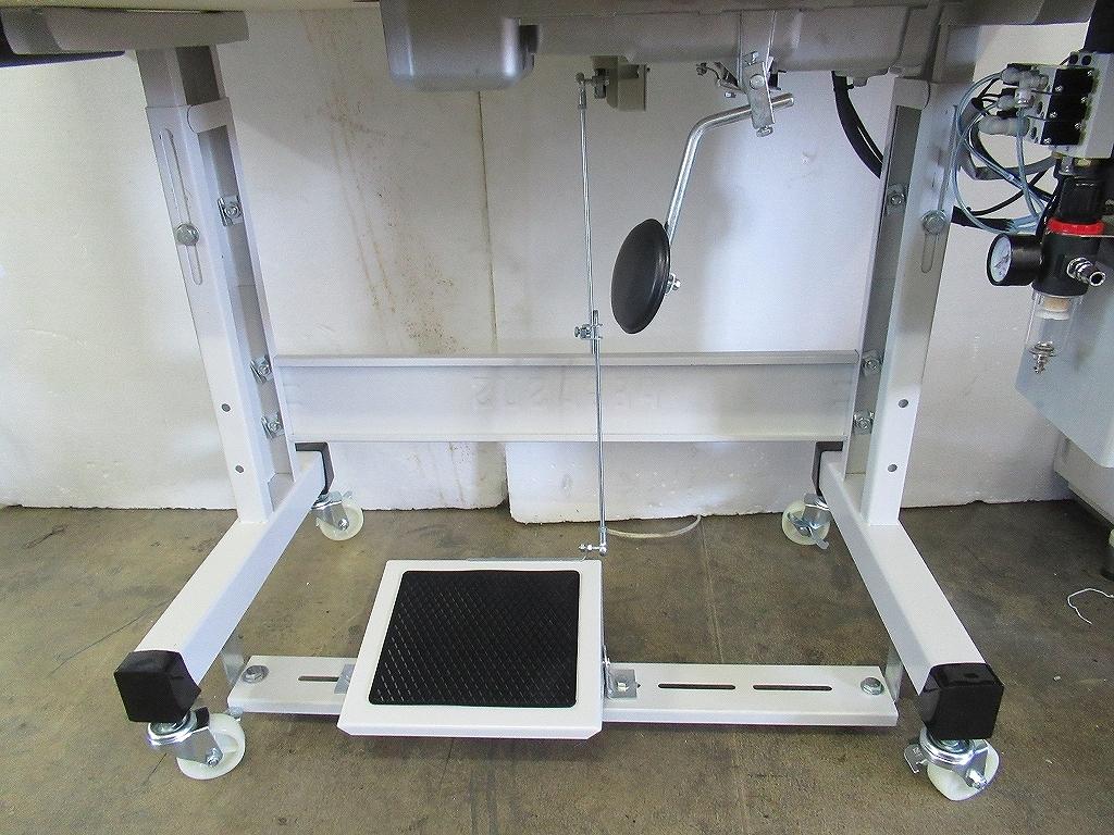 工業用ミシンT型脚 65〇mmキャスター付き 鉄板厚み2.2mm使用
