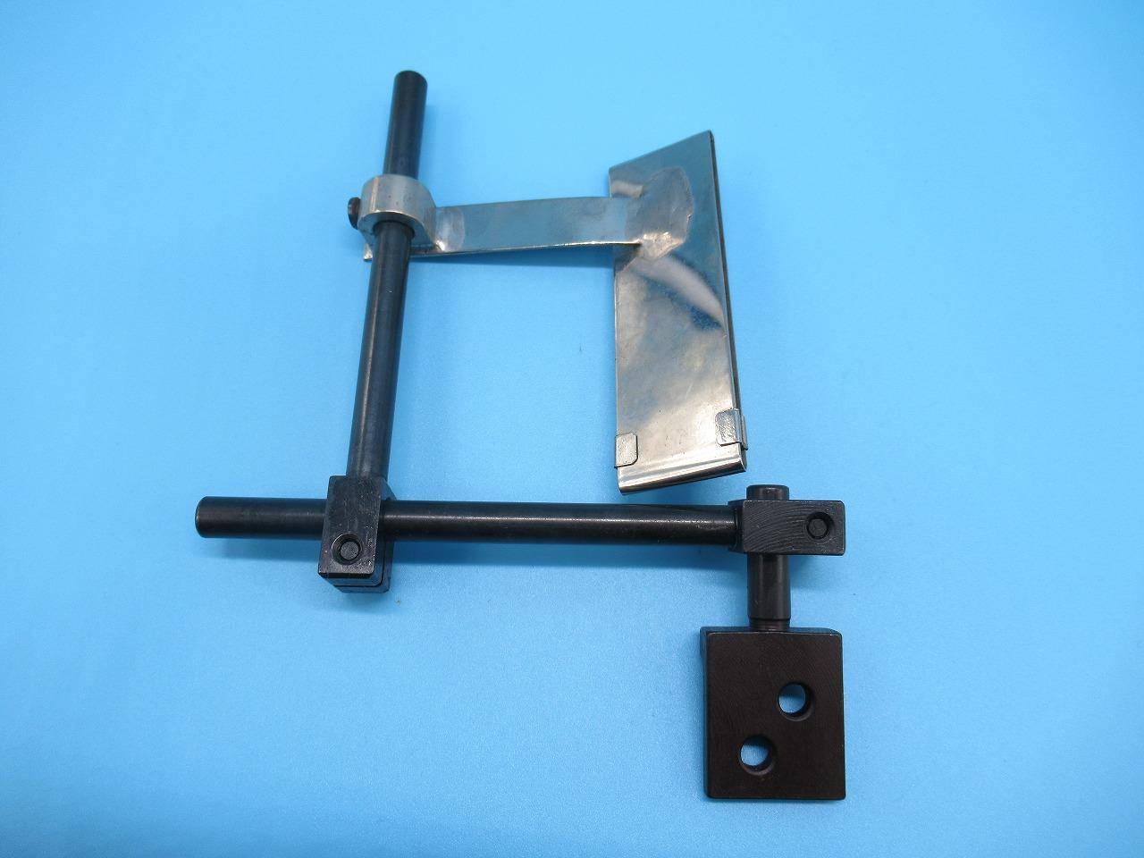 新品 メーカー直売 各メーカー工業用ミシンに対応します テープ幅70mmまで調節可能です テープ付け案内アタッチメント 在庫限り