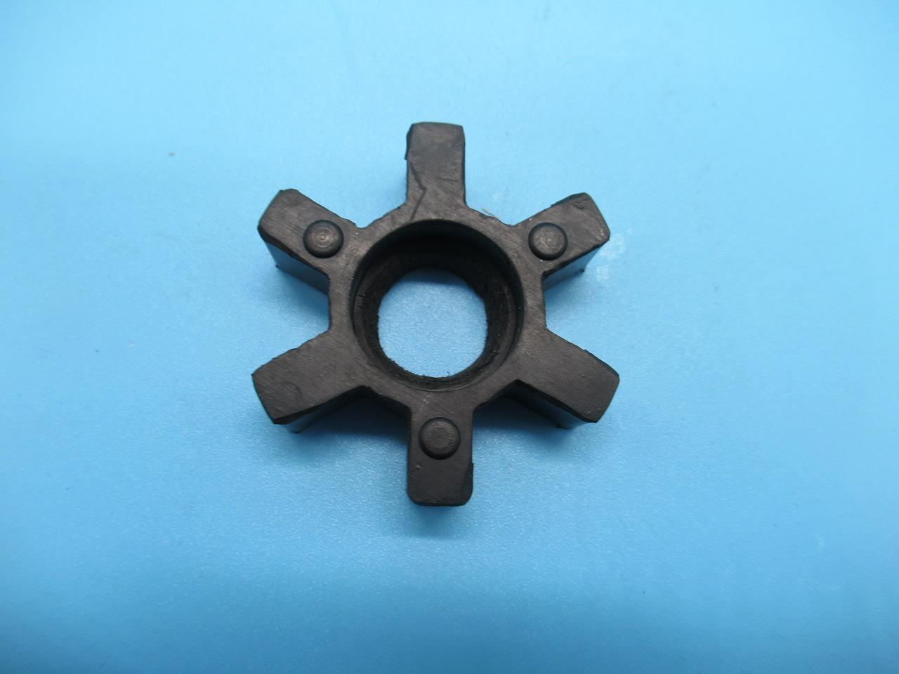 【新品】パナソニックサーボモーターカップリングのブラケット パーツNO-B1231-210-001 「記写真の黒い色の部品です。」