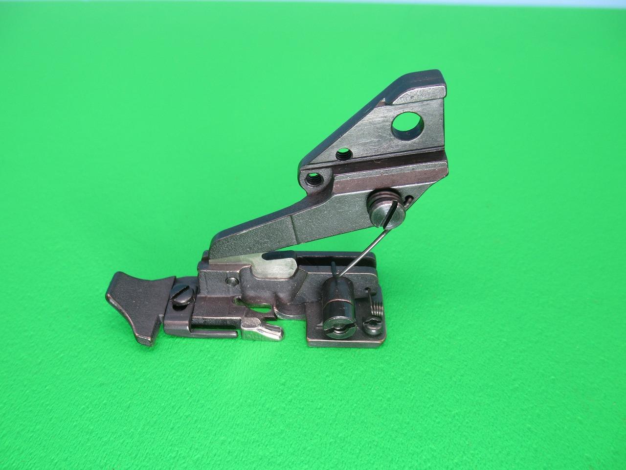 【新品】純正品 日本製 ブラザー B551-063 型用 オサエ  パーツNO:146871-001