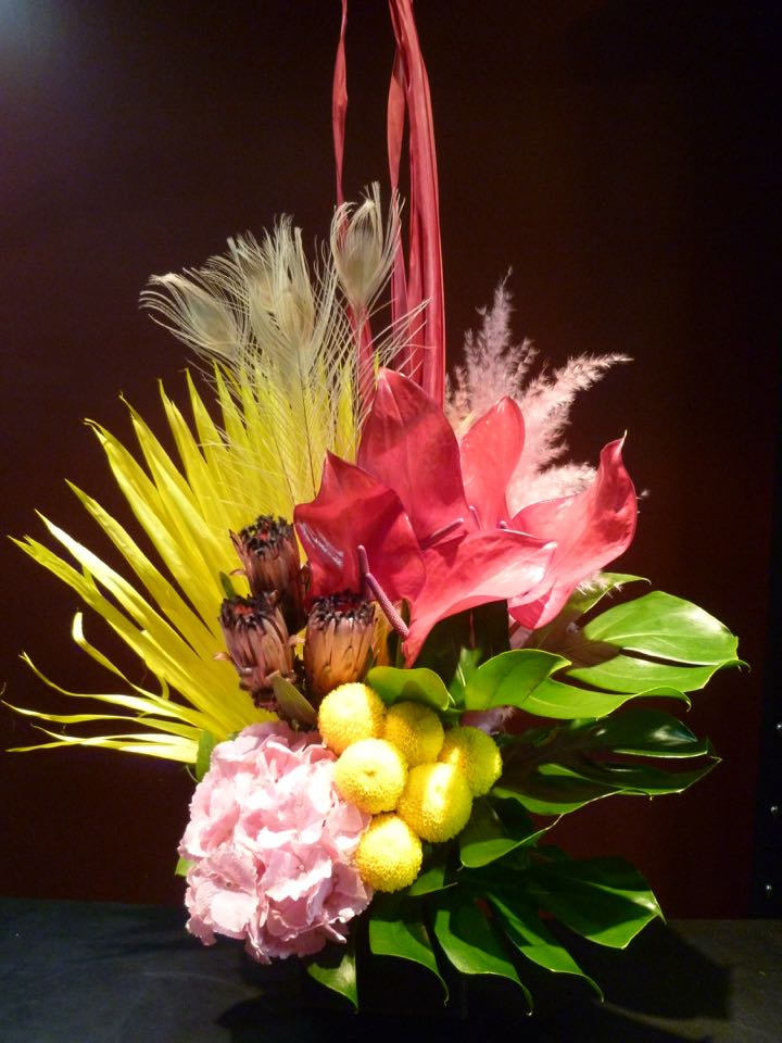 PINK pink yellow 珍しい花 Arrangement 御祝