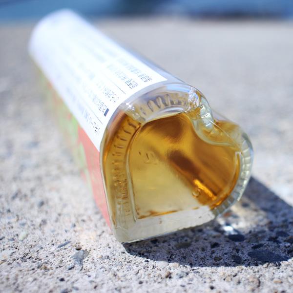 かわいいハート型のボトル