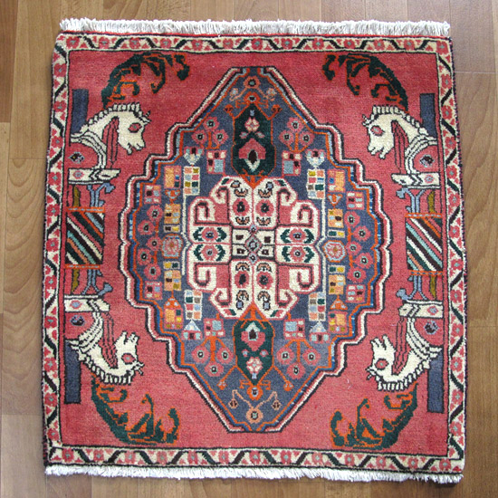 カシュガイ絨毯 座布団サイズ 68×66cm
