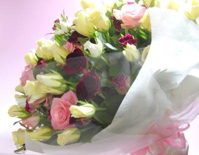 *生花花束 誕生日 お誕生日祝い 祝電 結婚祝い 結婚式 電報 出産祝い 結婚記念日 記念日 お見舞い 個展 発表会 移転祝い 開業祝 入学祝い 卒業祝い 就職祝い バラ ばらの花束