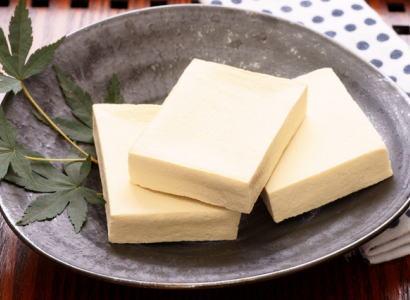 【乾物】高野豆腐〈コウヤドウフ〉1パック、145g