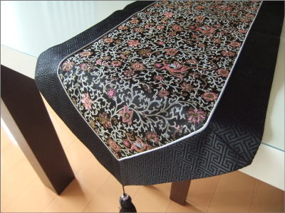 [Silk Table Runner And Black B] Table Liner Interior Chinois Chinoiserie  Restaurant Hotel Coordination Luxury China China Gadgets Asian Chinese  Souvenirs ...