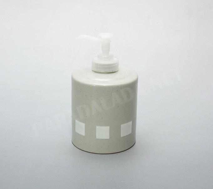 陶器がやわらかい印象を与えるソープボトル お手洗い用の詰替え石鹸に最適 Essence タイムセール ノルディカ ボディソープやシャンプーの詰替え トビ ソープボトル 予約販売